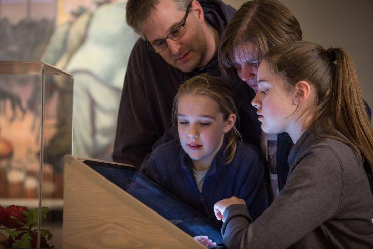 Family visit Mining Art Gallery